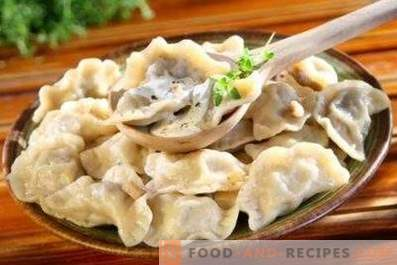 Dumplings with mushrooms
