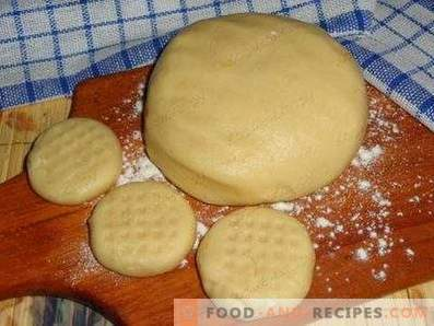 Sand dough with sour cream
