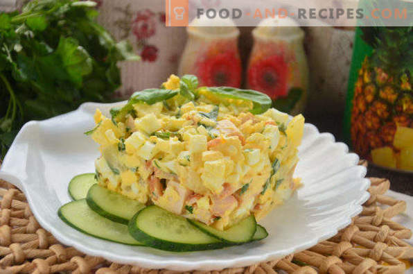Salad with smoked chicken, pineapple, cheese, egg