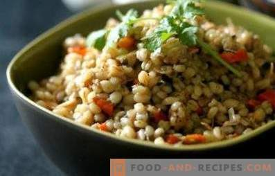 Barley with minced meat